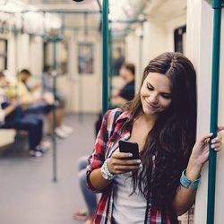 Как познакомиться с девушкой по смс