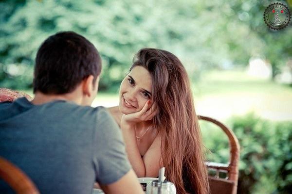 как узнать нравишься ты девушки при знакомстве