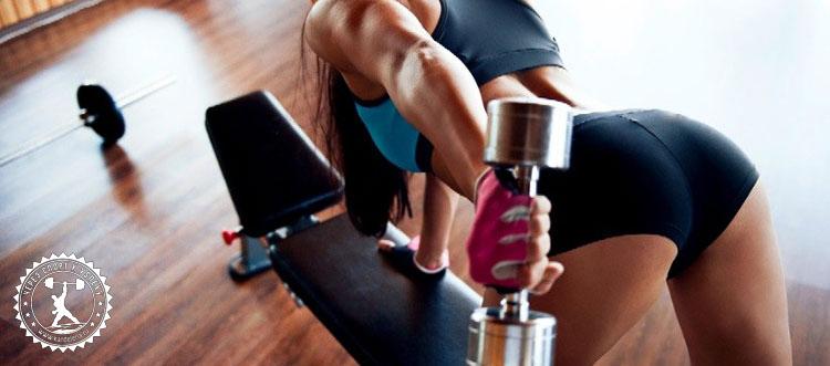 Комплекс упражнений на дельты в тренажерном зале